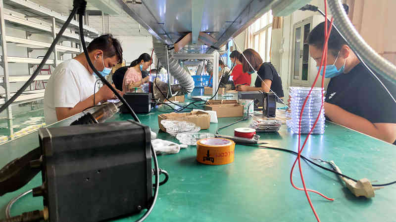 2ml autosampler vialRuichen Group's factories are busy and fulfilling every day